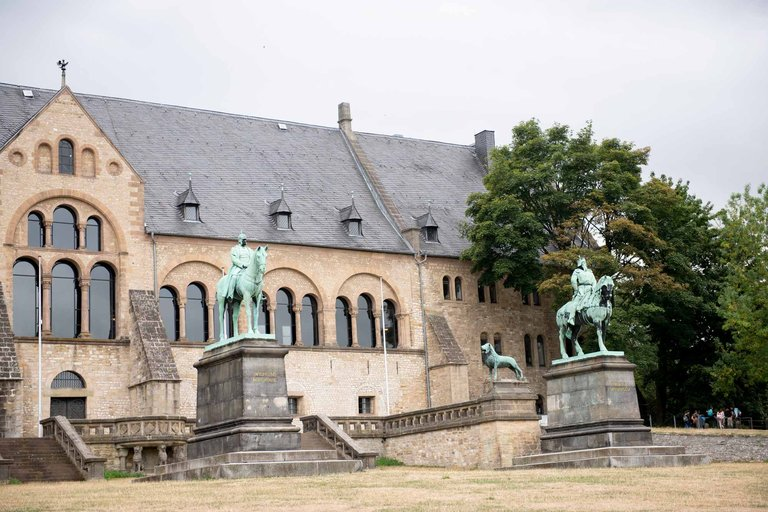 statuen in goslar gda standort goslar stadt stauen pkf3694 jpg